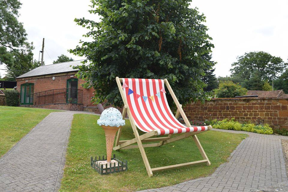 Giant Deck Chair Hire